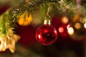 Carousel image b94b008a3d81e6a019e8 christmas bauble 3809544 960 720