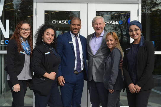 Top story 507faa2ce5f1ae49e31c chase bank opening   staff and mayor smith 11 9 19