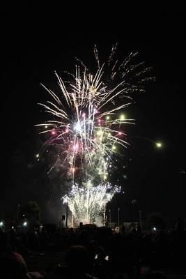 Carousel image 07f3a2f9539364452af9 cindy fireworks 5