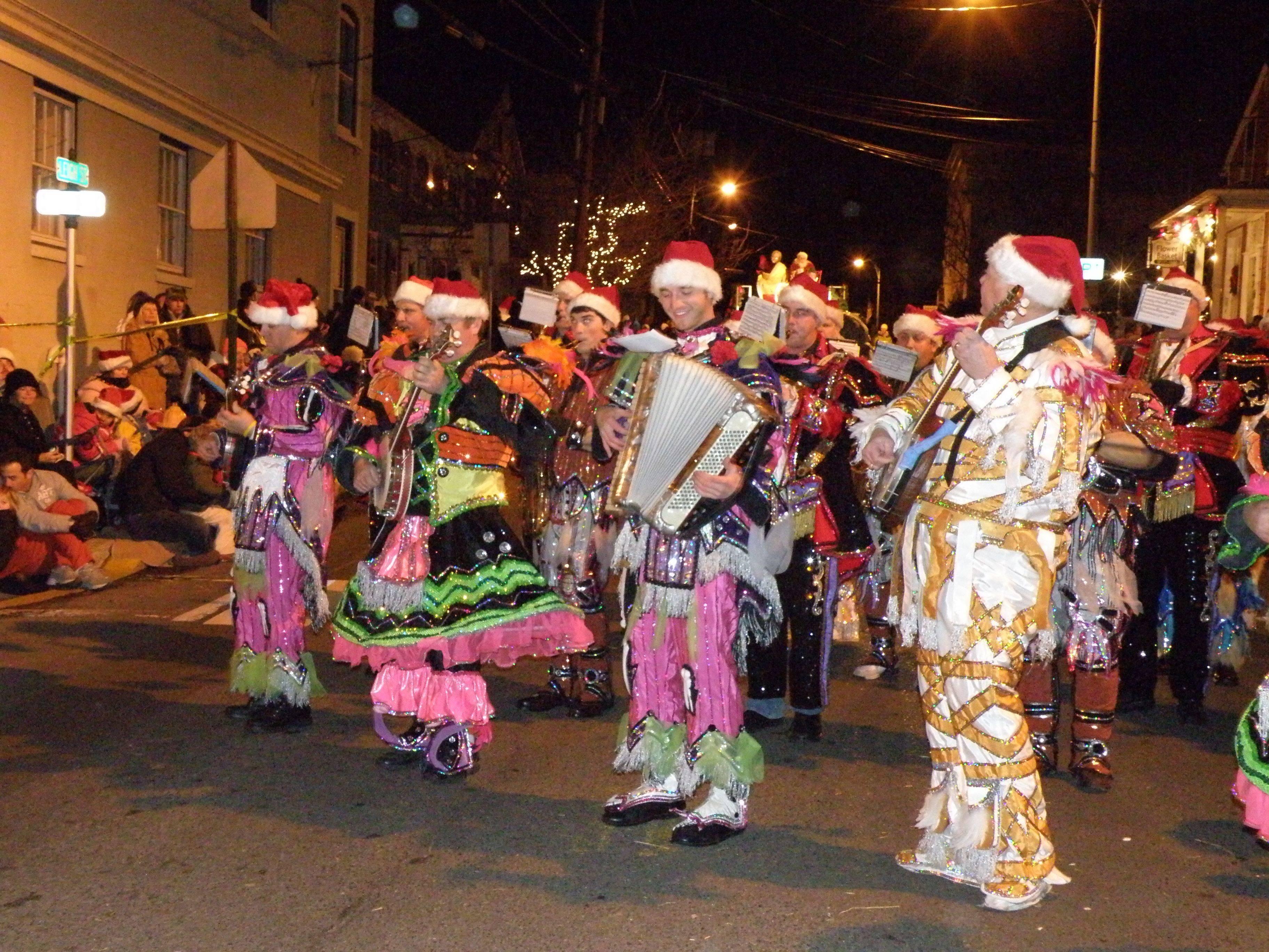 clinton parade mummer 2.jpg