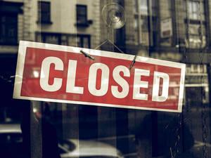 Carousel image dd3379e884f9e08a1f1d closed sign