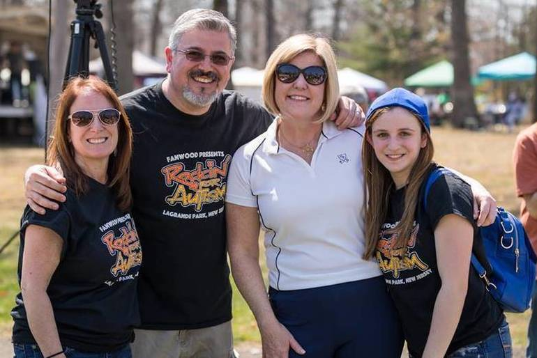 Colleen Mahr with Banks Family 2018.jpg