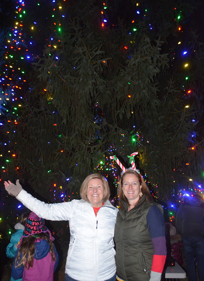 Colleen Mahr lights the Fanwood Tree 2019 with Erin McElroy Barker.png