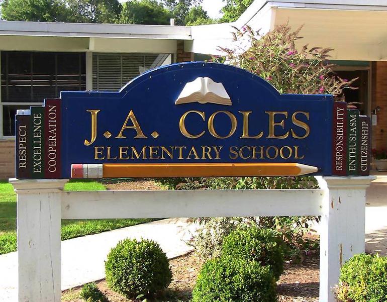 Coles School sign.png