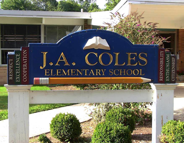 Coles School sign.png