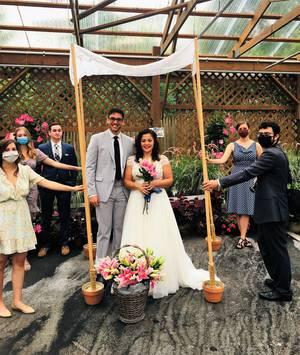 Carousel image 3001cf3572b027d37e0d covid wedding