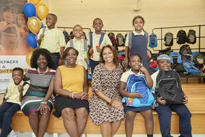 Carousel image ffd79bed494ccb51efbe comcast spotlight backpack donation 1