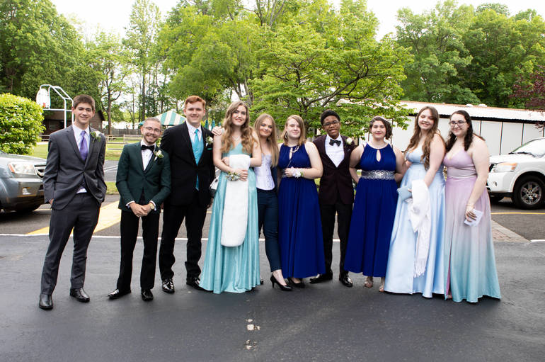 FHS Prom 2021: Scenes from Forest Lodge, Share Your Photos with Us