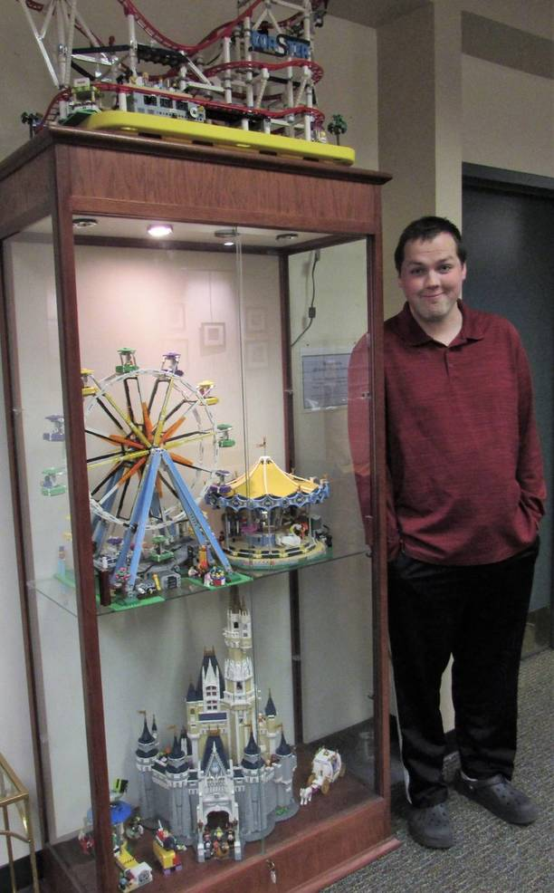 LEGO Amusement Park on Display at SCLSNJ's Warren Twp. Library Branch D75DF0FD-68FD-4761-8030-040A60E2C495.jpeg