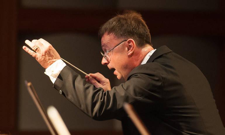 David Wroe conducts NJ Festival Orchestra.jpg