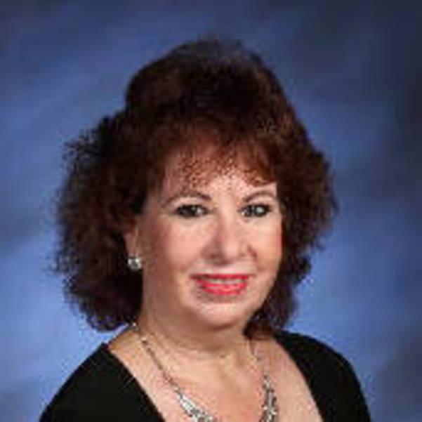 Deborah Wetreich Headshot.jpg