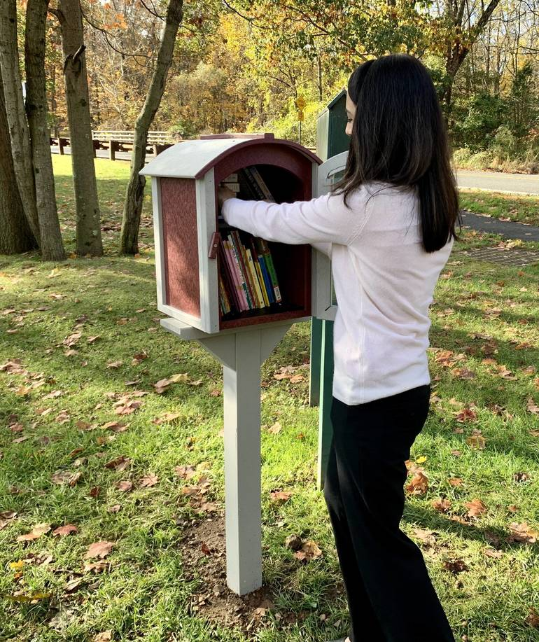 Watchung Mayor Cuts Ribbon on Little Free Library, Thanks Moms Club of Warren, Watchung, and Green Brook DF8391BF-2ECB-46D4-A5F0-C128BFA92BA0.jpeg