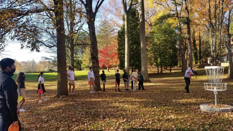 Wardlaw+Hartridge Middle School Receives Introduction To Disc Golf