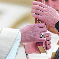 Carousel image be6a44f2ed919149437f diaconate ordination 2017 155