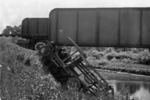 Roxbury railroad, Roxbury train trestle, Berkshire Valley Road, Chester Branch, Lackawanna, truck accident