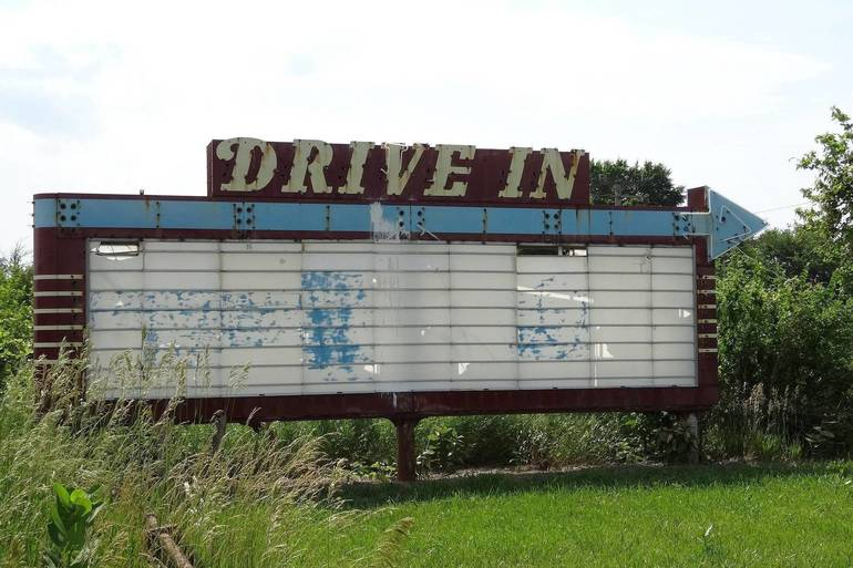 drive-in-theater-sign-3297354_1920.jpg