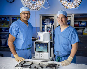 Carousel image 2f0311622ee3d4814934 dr thomas and dr. cohen with beacon laser ahs 0694master
