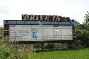 Carousel image d9ccf29ce963b99fc366 drive in theater sign 3297354 1920