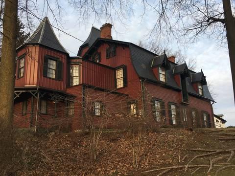 Top story 6055d2bd5fbe4ca754d3 drake house