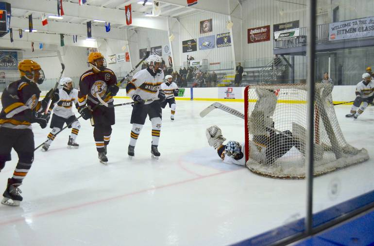 Summit H.S. Boys Hockey Drops Second in Row, Falls 5-1 to Ramsey