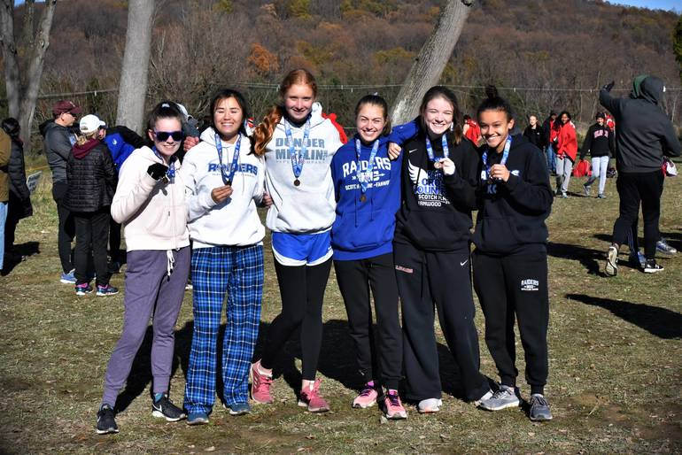 Scotch Plains-Fanwood Advances to NJSIAA Group IV State Championship in Girls Cross-Country.
