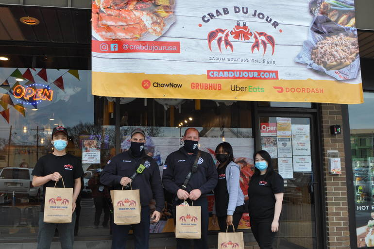 Springfield Crab Du Jour Donates to Firefighters for Thanksgiving Holiday