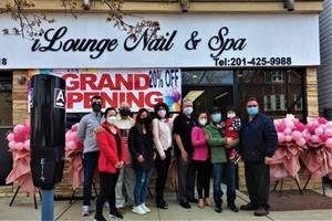 iLounge Nail and Spa Opens in Uptown Business District