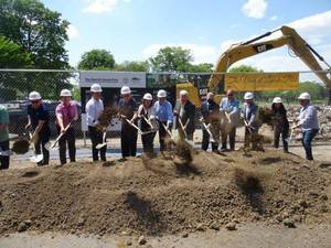 Officials Break Ground on The View at Lincoln Park