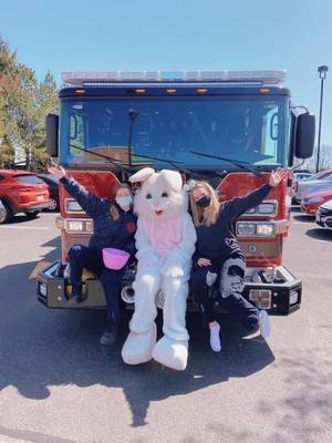 Drive-by Easter Bunny Brings Joy to Kenilworth Residents