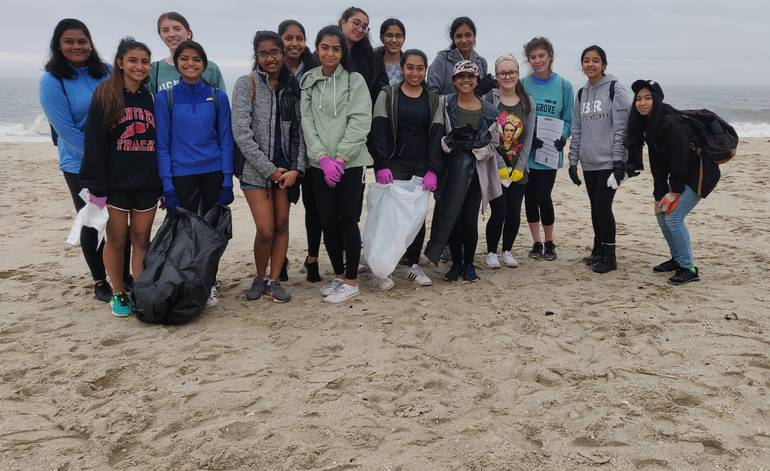Earth Guardians BR beach cleanup