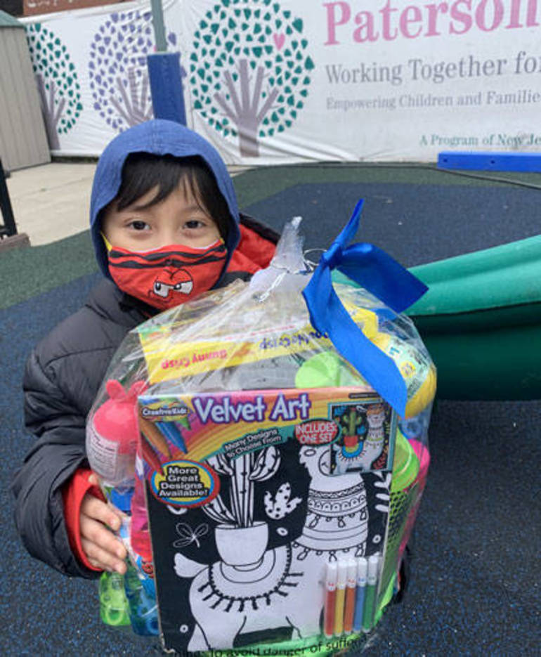 With Help from St. Pius X Teens, NJCDC Makes Easter Brighter for Pre-K