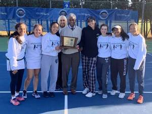 Carousel image 56bbcb2a8a82b1820df6 eb girls tennis group 4 champs njsiaa