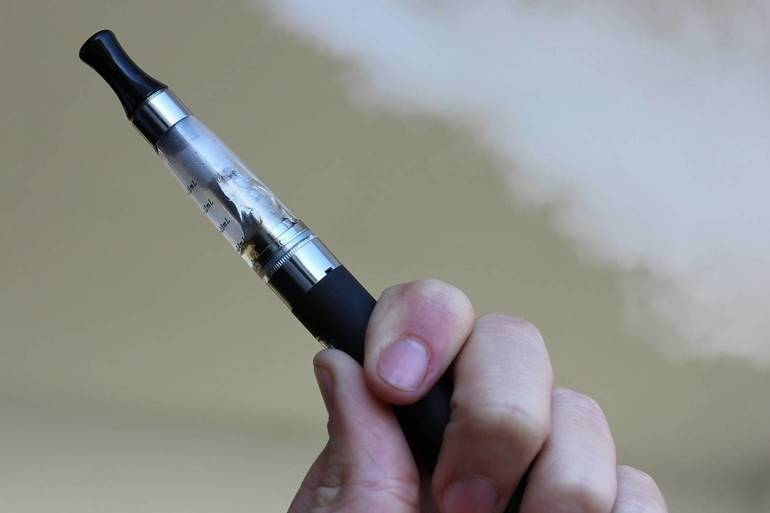 e-cigarette-1301664_1920.jpg