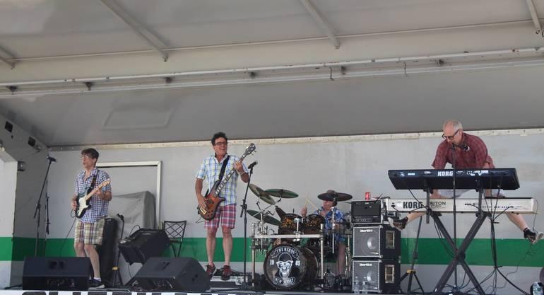 EDIT Nerds perform.jpg