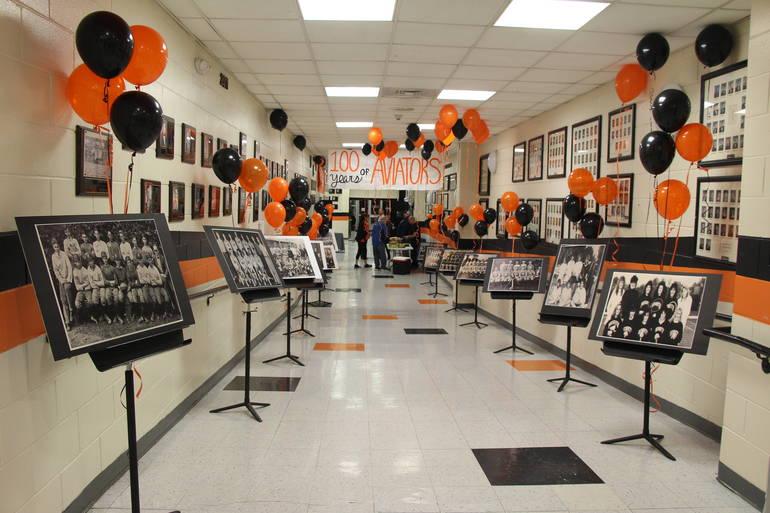 EDIT hallway.jpg