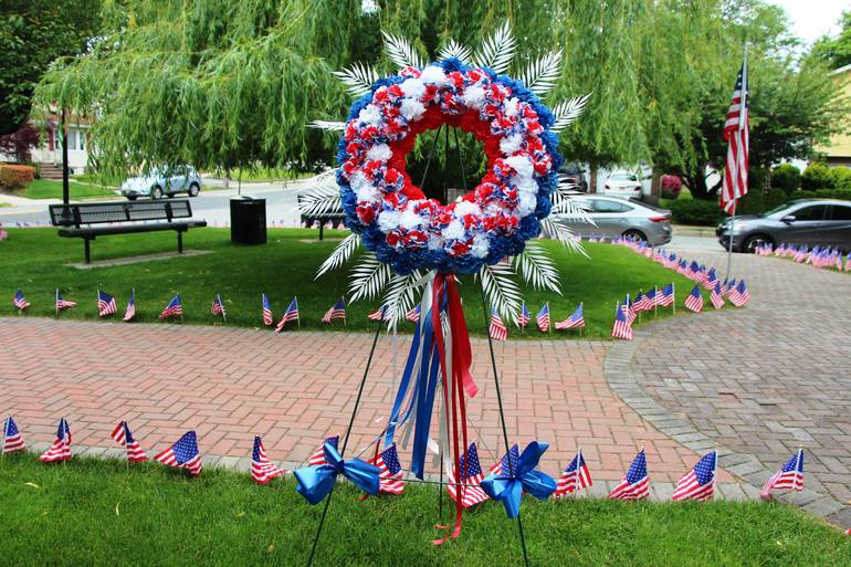 EDIT wreath.jpg