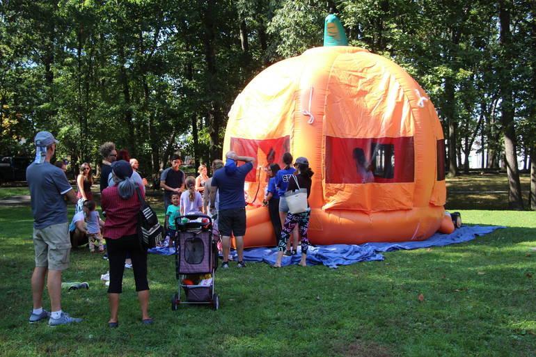 EDIT pumpkin inflatible.jpg