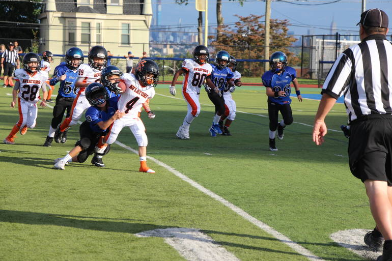 EDIT Raiders run WR tackle.jpg