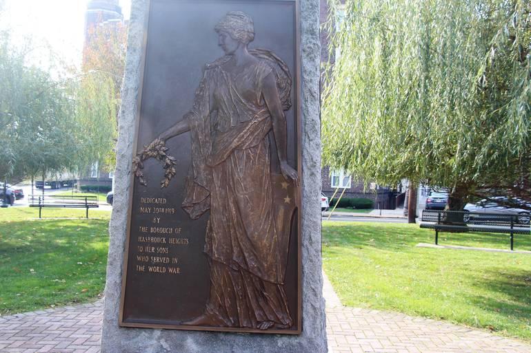 EDIT Liberty panel on the monument.jpg