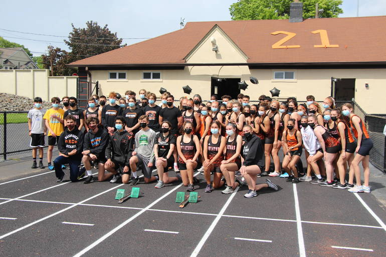 Best crop 60626b0e7438728d45a2 edit hasbrouck heights spring track senior group team shot