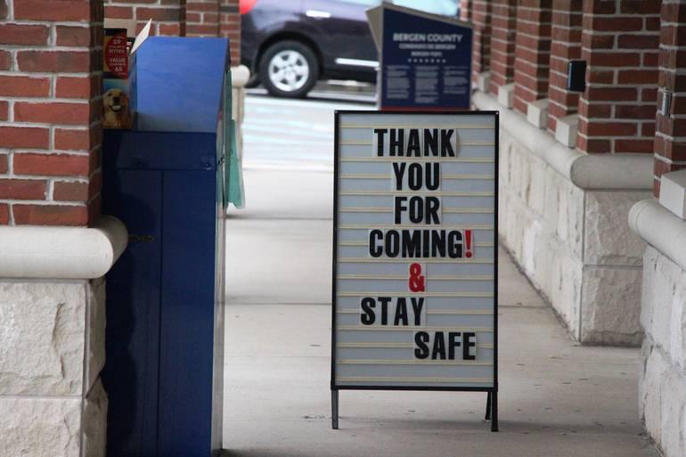EDIT thank sign.jpg