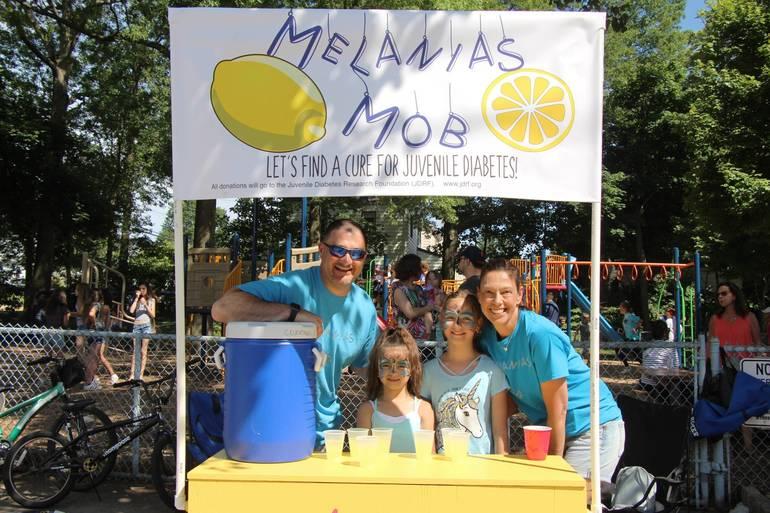 EDIT lemonade stand.jpg