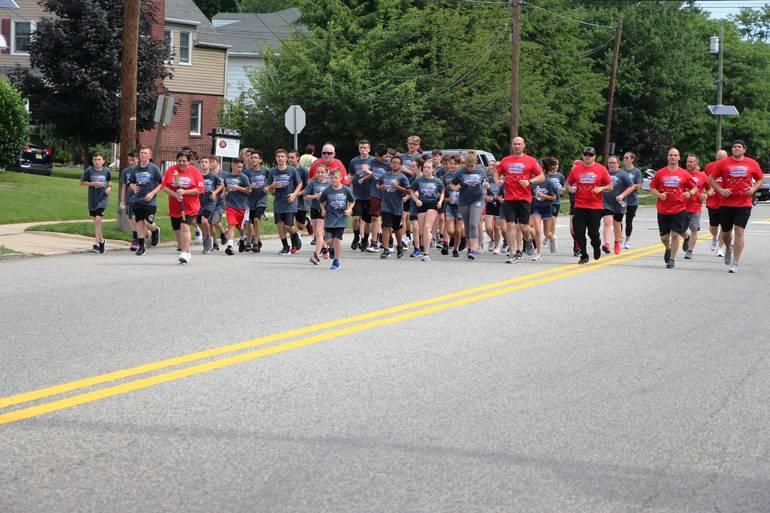 EDIT hh runners.jpg
