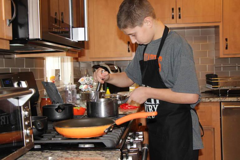 EDIT making sauce.jpg