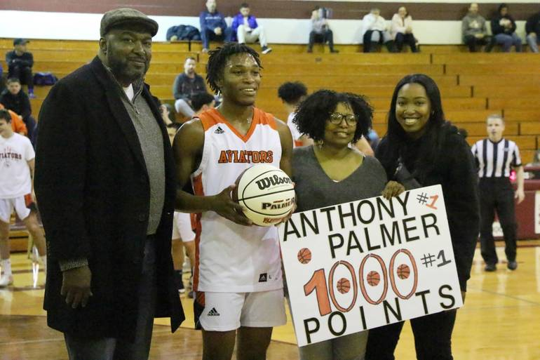 EDIT Palmer 1000 with parents sister.jpg