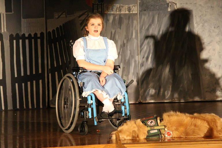 Dorothy sings