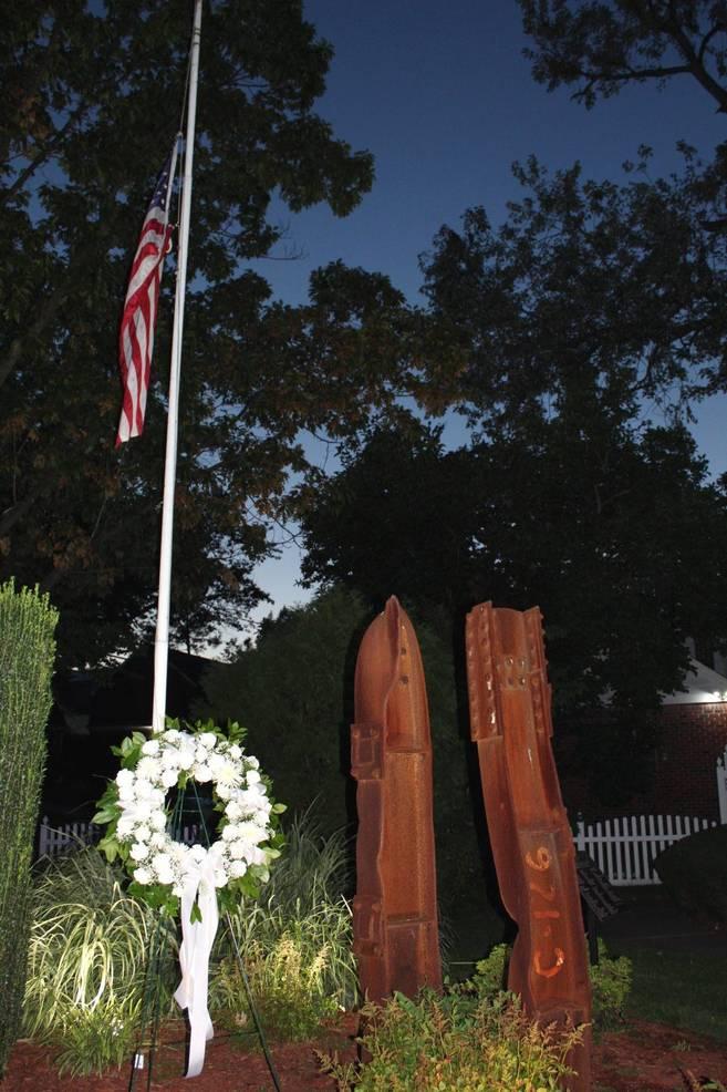 EDIT Memorial wreath flag.jpg