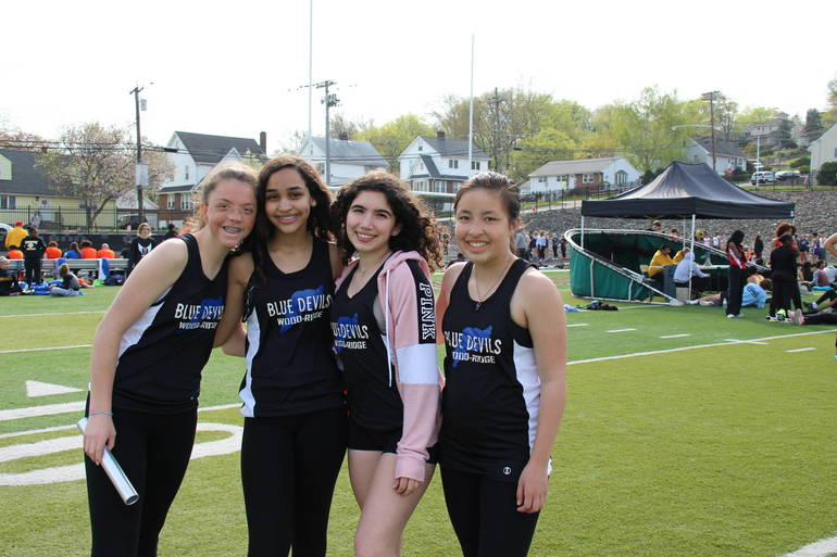 EDIT wr girls relay.jpg