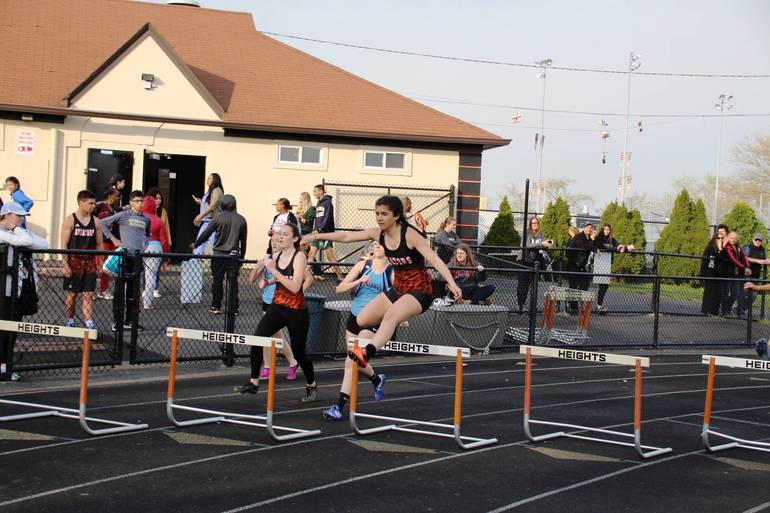 EDIT early girls hurdles.jpg