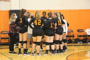 Carousel image 021c209d31f1897ed305 edit hasbrouck heights volleyball team huddle